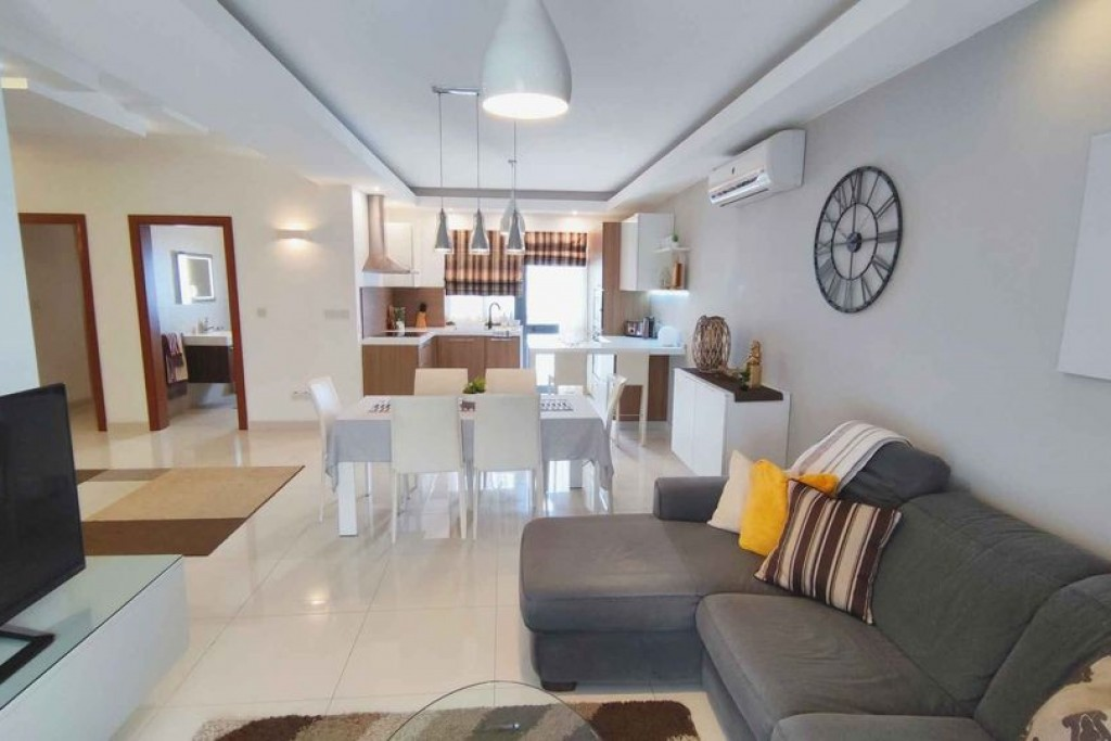 Modern and Spacious 3 Bedroom Apartment